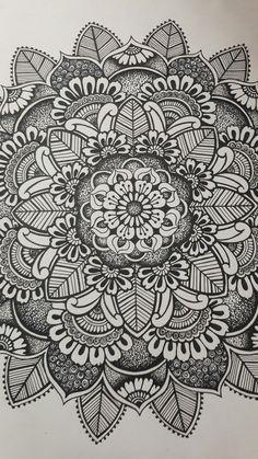 Namaste mandala black and white. Mandala Doodle, Mandala Art Lesson, Mandala Drawing, Doodle Doodle, Dibujos Zentangle Art, Dibujos Tattoo, Zentangles, Easy Doodle Art, Doodle Art Designs