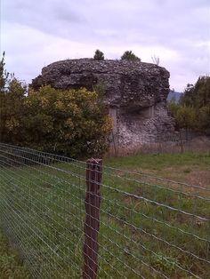 Area archeologica di Luni. Mausoleo.