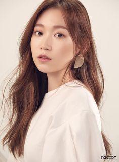 Queen Of The Ring, Drama Series, Screenwriting, Seulgi, Movie Tv, Singer, Pretty, Dramas, Target