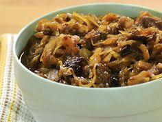 Polský bigos — Kluci v akci — Česká televize Czech Recipes, Chili, Soup, Lunch, Beef, Cooking, Eastern Europe, Vietnam, Indie