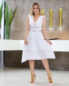 Unique prom dresses with hottest - Her Crochet Unique Prom Dresses, Simple Dresses, Pretty Dresses, Beautiful Dresses, Casual Dresses, Fashion Dresses, Summer Dresses, Dress Skirt, Lace Dress