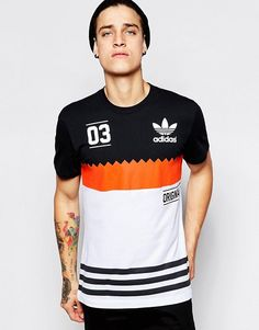 Discover men's Adidas Originals at ASOS. Shop for sneakers, clothing and accessories from our collection of Adidas Originals. Mode Outfits, Urban Outfits, Fashion Outfits, Fashion Shoot, Adidas Originals Tshirts, Urban Fashion Girls, Mens Fashion, Style Fashion, Marken Logo