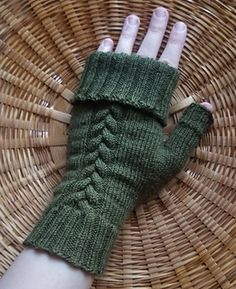 Ravelry: Braid Cable Mitts pattern by Subversively Stitched Fingerless Gloves Crochet Pattern, Fingerless Gloves Knitted, Knit Mittens, Knitting Projects, Knitting Patterns, Knifty Knitter, Knitting Accessories, Sock Yarn, Christmas Knitting