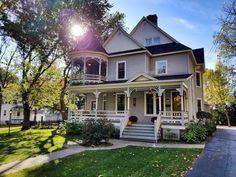 Single Family Detached – One of Marshfield's most sought after Victorian homes is now on the market! Fully restored home with a front porch dreams are made of. Gracious entryway and ope…