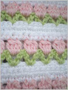 Rows of flower buds crochet Beau Crochet, Baby Girl Crochet Blanket, Crochet Diy, Crochet Girls, Crochet Crafts, Crochet Projects, Diy Crafts, Crochet Borders, Afghan Crochet Patterns