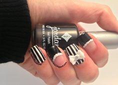 3D bow nail art (by NailedByJasmine)