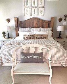 Cozy Rustic Farmhouse Bedroom (18)
