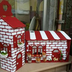 Popsicle Stick Crafts House, Craft Stick Crafts, Home Crafts, Diy And Crafts, Beaded Boxes, Miniature Houses, House In The Woods, Bird Houses, Painting On Wood