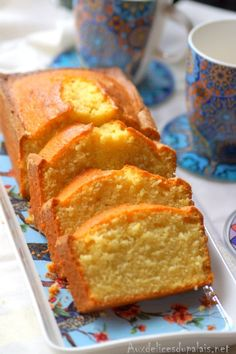 Lemon crème fraîche cake Delicious to the palate Pound Cake Recipes, Easy Cake Recipes, Cupcake Recipes, Sweet Recipes, Dessert Recipes, Citron Cake, Lemon Cream Cake, Gateau Cake, Almond Cakes