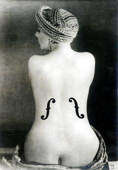 Man Ray - Le Violon d'Ingres, 1924 - Épreuve aux sels d'argent rehaussée à la…