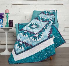 Robert Kaufman Artisan Batiks Noel Winter Bright Star Quilt - White