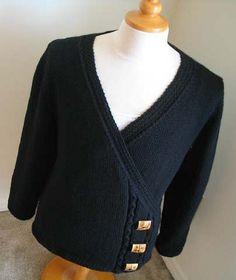 Free Knitting Pattern Lillie Wrap Cardigan - Nicole Reeves designed this elegant wrap cardigan in 5 sizes: 38″, 40″, 42″, 44″, 46″