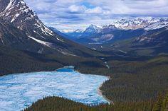 Photograph by Stuart Litoff.  Peyto Lake in Banff National Park, Alberta, Canada