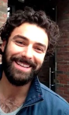 Aidan Turner and his lovely smile ♡