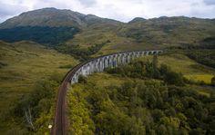 Harry Potter Bridge aka Glenfinnan viaduct v Skotsku