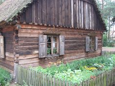 Kurpie - is this how my grea-great-grandparents lived in 1830s in Goworowo?
