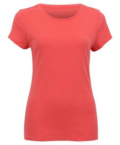 Short sleeve t-shirt with crew neck line. Barbershop, Short Sleeve Dresses, Clothes For Women, Tees, Stuff To Buy, Fashion, Barber Shop, Outerwear Women, Moda