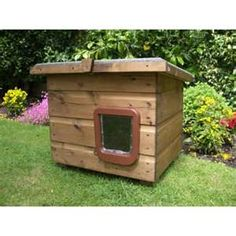 cat house, wow would definitely have one of these on my farm with a remote control lock to catch feral cats that need neutering!