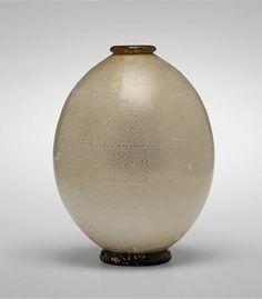 Carlo Scarpa:  Lattimo Oro Vase, 1929  #Inspiration #art #design #color #EddieBorgo #fashion #egg