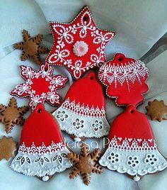Czerwone pierniczki Cute Christmas Cookies, Christmas Cookie Exchange, Cute Cookies, Christmas Goodies, Holiday Cookies, Christmas Treats, Pause Café, Cookie Decorating, Christmas Cooking