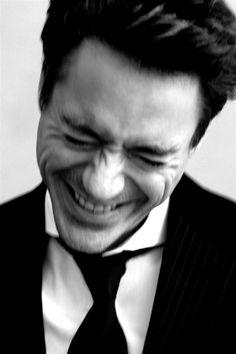 robert downey jr.- Iron Man sure to break hearts with this sweet flick. (Must... stop... pinning... Robert.... Downey... JR.!)