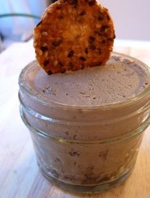 Tuscan Chicken Liver Pate- like the thought of anchovy paste in this one Chicken Liver Recipes, Chicken Liver Mousse, Chicken Pate Recipe, Chicken Liver Pate Recipe French, Chicken Liver Terrine, Pate Recipes, Cooking Recipes, Terrine Recipes, Antipasto