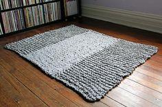 Ravelry: Bulky Knit Rug pattern by Heidi Gustad / Hands Occupied Bamboo Knitting Needles, Loom Knitting, Free Knitting, Crochet Rug Patterns, Easy Knitting Patterns, Knitting Ideas, Knit Rug, Knit Crochet, Easy Crochet