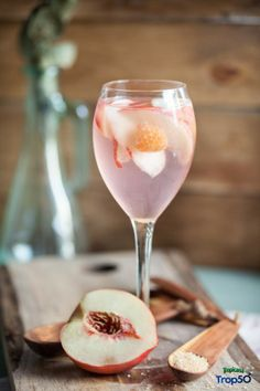 Pretty pink drink!  Raspberry Lemonade Sparkling Sangria from @PureWow