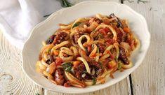 Χταπόδι καπαμά από την Ιθάκη Spaghetti, Ethnic Recipes, Food, Essen, Meals, Yemek, Noodle, Eten