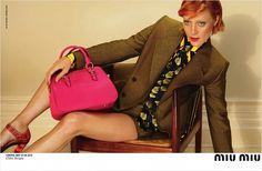Chloë Sevigny volta a posar para a Miu Miu, grife mais jovem da Prada, para sua campanha Inverno 2012