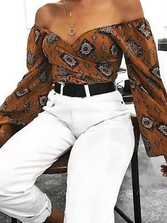 Deep V Neck Exposed Navel Printed Blouses Deep V Neck Exposed Navel Printed blouse for women casual blouse for women work blouse for women chic blouse for women summer Trendy Outfits, Summer Outfits, Cute Outfits, Fashion Outfits, Womens Fashion, Work Outfits, Blouse Outfit, Work Blouse, Printed Blouse