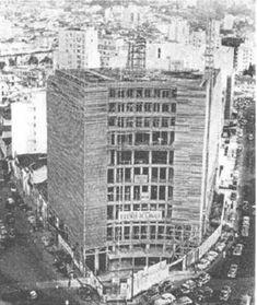 1954 - Rua Martins Fontes. Construção do Hotel Jaraguá.