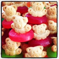 Apple Teddy Grahams with gummy lifesaver candies for an inner tube!
