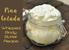 Top Essential Oils DIY Recipes {Do-It-Yourself} This whipped body butter moisturizer is so easy to make and will leave your skin moisturized for days after application! Diy Body Butter, Whipped Body Butter, Shea Butter, Cocoa Butter, Neutrogena, Bath Balms, Homemade Cosmetics, Fractionated Coconut Oil, Beauty Recipe