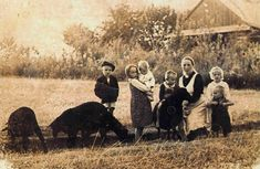 A photo of Wiktoria Ulma and her six children. Wiktoria, her husband, Jozef, and all of their children were murdered by the Nazis at their Polish farm for sheltering Jewish people on the run from persecution.  Wiktoria was seven months pregnant. The refugees this couple were helping were also murdered. The Ulma family were betrayed to the occupying German authorities by a neighbour. ~Repinned Via Jeanine Hagerman