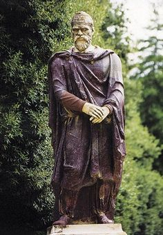 Faces from the past - dacian man statue ancient south eastern people Mayan Symbols, Norse Symbols, Ancient Symbols, Egyptian Symbols, Ancient Rome, Ancient History, History Of Romania, Romania People, Caucasian Race