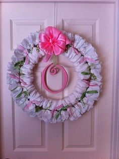 I found this diaper wreath on @Katy Link's blog. What a great idea for a baby shower. #baby #crafts
