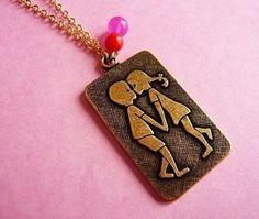 70's kissing kids pendant necklace