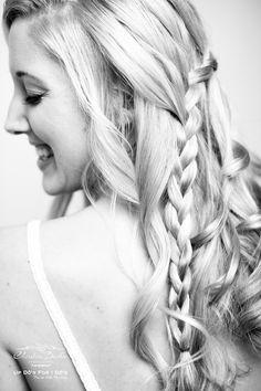 Bridal Hair by @UpDosForIDos  www.updosforidos.com
