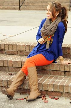 Piko Boo Tunic: Royal Blue from Hope's. Cute Fall Outfits, Stylish Outfits, Fall Blonde, Orange Leggings, Classy And Fabulous, Autumn Winter Fashion, Autumn Style, Dress To Impress, Fashion Forward