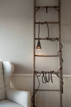 Knitted cable, bulb, ladder