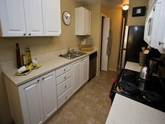 Situated close to Everett Mall and the Silver Lake Bike Trails. A superb location with quick and easy access to I-5, Hwy 99 and community transit routes to Seattle or Everett. Our bright and spacious 2 and 3 bedroom floorplans provide all the essentials for contemporary living, including deluxe kitchens with top-rated appliances, two full bathrooms, and a large private deck or patio. We are a luxury apartment you can call home!