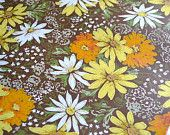 Vintage Wall Paper - Daisies on Brown - One Sheet