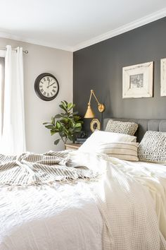 master bedroom paint colors Neutral paint colors for creating a beautiful high contrast home. Bedroom Wall Colors, Accent Wall Bedroom, Home Decor Bedroom, Bedroom Neutral, Bedroom Black, Gray Bedroom Walls, Gray Accent Walls, Paint Ideas For Bedroom, Girls Bedroom