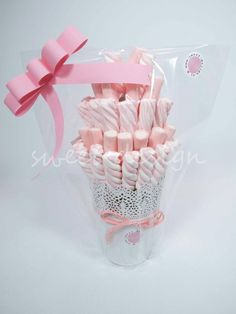 Adorable idea for marshmallow favor or centerpiece Birthday Party Decorations, Birthday Parties, Sweet Trees, Marshmallow Pops, Chocolate Bouquet, Candy Bouquet, Candy Table, Candy Party, Baby First Birthday