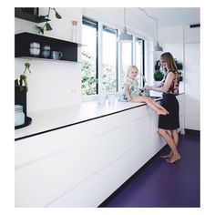 Brave choice of floor at the cool home of @purpleid in the new issue of @boligmagasinetdk Foto: @tiaborgsmidt Styling: @mettehelena #kvikkitchen#manobykvik#purple#colourmehappy#danishdesign#forbo