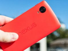 """This is really red! The new Nexus 5 """"Bright Red"""" is so gaudy red that it already does almost hurt your eyes, watch itself in the unboxing video"""