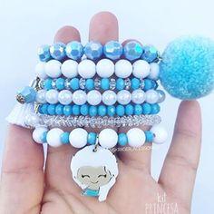 Nenhuma descrição de foto disponível. Chloe Jewelry, Kids Jewelry, Jewelry Art, Beaded Jewelry, Jewelry Making, Beaded Bracelets, Handmade Bracelets, Handmade Jewelry, Little Girl Jewelry