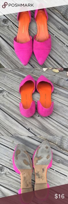CHINESE LAUNDRY PINK MICROFIBER FLATS SZ 7 CHINESE LAUNDRY PINK MICROFIBER FLATS SZ 7- some scuffs around front edges and heel- very cute and comfortable! Chinese Laundry Shoes Flats & Loafers