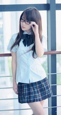 School Girl Japan, School Girl Outfit, School Uniform Girls, Japan Girl, Cute Asian Girls, Beautiful Asian Girls, Cute Girls, Cute Kawaii Girl, Cute Japanese Girl